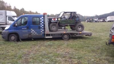 Samochód terenowy pomoc drogowa