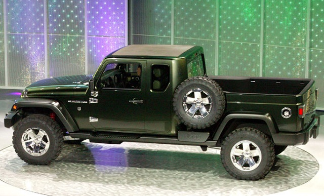 2016-Jeep-Gladiator-side-view